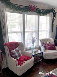 Christmas Living Room Decor, Plaid Living Room, Elegant Christmas Decor, Christmas Interiors, Christmas Decorations For The Home, Christmas Room, Living Room Windows, Nutcracker Christmas, Plaid Christmas