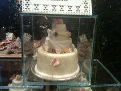 Wedding favor - mini White chocolate wedding cake