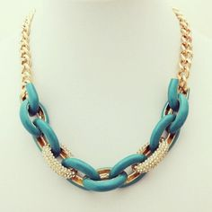 Available online at www.lizakimaccessories.com