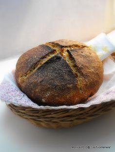 pane e pizza: El pan cocido en la cazuela de hierro fundido, <br/> con levain liquide y sin él