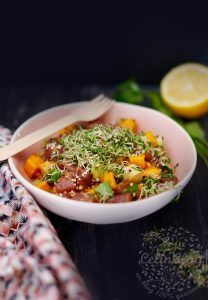 Tartare de thon, mangue, avocat et graines germées Asian Recipes, Healthy Recipes, Ethnic Recipes, Healthy Food, Easy Diner, Plats Healthy, Chana Masala, Entrees, Delish