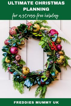 This list of 7 creative xmas decorations DIY is so fun to make and get your house ready for holidays! Have fun trying out these christmas crafts and christmas decorations diy! All Things Christmas, Red Christmas, Christmas Time, Christmas Wreaths, Christmas Crafts, Christmas Episodes, Christmas Wishes, Christmas Shopping, Outdoor Christmas