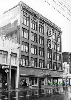 Purcell's department store, 1967 Old Pictures, Old Photos, Beautiful Places To Live, Go Big Blue, Make Way, My Old Kentucky Home, Department Store, Photo Archive, Main Street