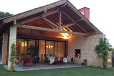 Échale un vistazo a este increíble alojamiento de Airbnb: Stunning Countryside Chalet - Chalets en alquiler en Azeitão Stone Houses, Backyard Patio, My Dream Home, Home Deco, Future House, House Plans, Cottage, Architecture, House Styles