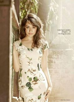 Shraddha Kapoor Simple Photo Shoot , Indian Celebrity And Bollywood Actress HD Wallpapers Shraddha Kapoor Bikini, Shraddha Kapoor Cute, Indian Film Actress, Beautiful Indian Actress, Indian Actresses, Female Actresses, Beautiful Women, Indian Makeup And Beauty Blog, Indian Beauty