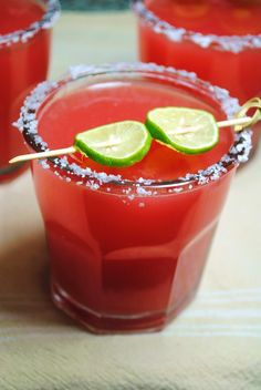 Watermelon Margarita 1 cp each: tequila and fresh watermelon juice, strained cup fresh lime juice cp Cointreau ice cubes Moisten rim of glass with lime wedge and dip in salt. Pour over ice and serve Margarita Salt, Watermelon Margarita, Margarita Recipes, Margarita Tequila, Drink Recipes, Fun Drinks, Yummy Drinks, Alcoholic Drinks, Yummy Food