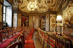 """Mozarthaus ― The """"Concerts in the Mozart House"""" take place in the oldest concert hall in Vienna where Mozart used to work and play for Bishop Colloredo in 1781. Mozart lived in this house, for a short time, in 1781. The """"Mozart Ensemble - Wien"""" play in the tradition of the Viennese classical period. The repertoire includes works of Haydn, Schubert and especially Mozart. The """"Mozart Ensemble - Wien"""" consist of four experienced musicians of the Vienna chamber music. € 47,00 #Vienna #Mozart ♥"""