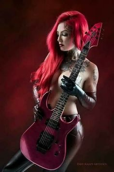 Heavy Metal Girl, Looks Pinterest, Women Of Rock, Rocker Girl, Guitar Girl, Female Guitarist, Rock Chic, Poses, Gothic Girls