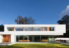 Modern Exterior by Dyer Grimes Architecture Urban Architecture, Beautiful Architecture, Residential Architecture, Contemporary Architecture, Design Exterior, Modern Exterior, Bungalows, Architects London, Modern Villa Design