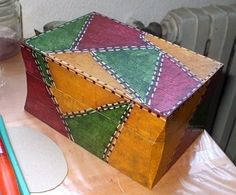 ampliar Painted Wooden Boxes, Pewter Metal, Altered Boxes, Bottle Crafts, Painting On Wood, Wood Art, Paper Art, Diy And Crafts, Decorative Boxes