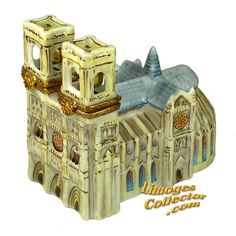 Notre Dame Cathedral Double-Hinged Limoges Box (Artoria) - Travel | World - All Limoges Boxes