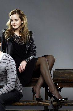 Pantyhose Outfits, Black Pantyhose, Black Tights, Nylons, Emma Watson Beautiful, Emma Watson Sexiest, Emma Watson Images, Great Legs, Girl Fashion