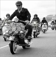 All things Lambretta & Vespa, well all things if they are pictures. (and perhaps the odd other thing that catches my eye from time to time including occasional adult content! Retro Scooter, Lambretta Scooter, Scooter Girl, Vespa Scooters, Fred Perry Polo Shirts, Vintage Cars, Vintage Vespa, Vintage Images, Vintage Designs