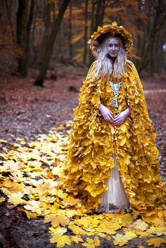 Leaf cloaks made by fairy artisans are a perfect autumn look for the fashionable witch who doesn't mind the rustle. Fae magic, which is considered to be more subtle than what many wix are capable of, somehow has managed to capture the crisp, cool...