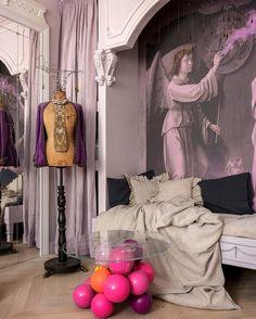 Home Of Surreal Interiors & Modern Empire Style Interior Design Magazine, Elle Decor Magazine, Interiors Magazine, Baroque Decor, Modern Baroque, Home Interior, Modern Interior, Modern Empire, Futuristisches Design