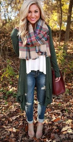 ae918dd2f74 20 Comfortable Outfits to Wear on Thanksgiving Day