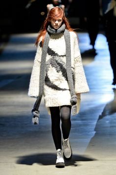 Giles Deacon - London Fashion Week - Fall 2014