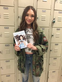 """chandelierdancer: """"mallofamerica: @maddieziegler is in the building, ready to meet her fans + sign copies of her new book - #TheMaddieDiaries! """""""