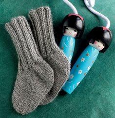 Lune hjemmestrikkede sokker 3 mdr til 4 år 21 m