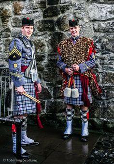 Drummers - Citadel Regimental Band, South Carolina The 2010 Royal Edinburgh Military Tattoo Scotland Kilt, Glasgow Scotland, Edinburgh Military Tattoo, Men In Kilts, Kilt Men, Men Dress Up, Military Tattoos, Tartan Kilt, Scottish Fashion