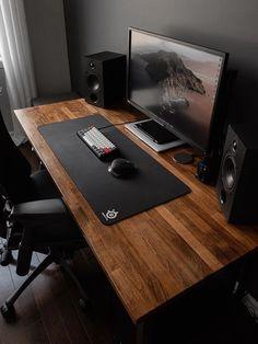 Computer Gaming Room, Computer Desk Setup, Gaming Room Setup, Pc Setup, Home Studio Setup, Home Office Setup, Studio Room, Home Office Design, Salas Home Theater