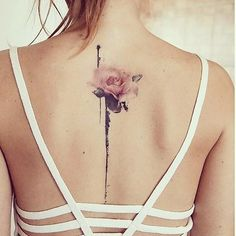 Captivating Women Style Ideas With Beautiful Spine Tattoo 02 - Tattoos Girly Tattoos, Pretty Tattoos, Foot Tattoos, Cute Tattoos, Beautiful Tattoos, Flower Tattoos, Body Art Tattoos, Small Tattoos, Feminie Tattoos