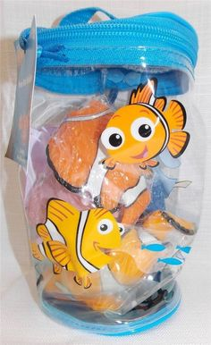 New in Collectibles, Disneyana, Contemporary (1968-Now) You are bidding on a New Disney Theme Park Finding Nemo Bath Buddies Pool Tub Toys  Comes brand new and unopened  Set includes:  Nemo, Marlin, Dory, & Pearl