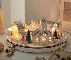 Vianočná dedinka s LED 349009 z e-shopu Tchibo.sk