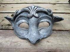 Gargoyle mask masquerade mask silver and grey larp by HawkEyeMasks Gargoyle Costume, Beauty And The Beast Costume, Harry Potter, Clay Masks, Art Activities, Larp, Masquerade, Sculpting, Art Pieces