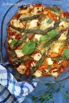 Frittata with courgette and asparagus Frittata, Vegetable Pizza, Asparagus, Feta, Vegetables, Zucchini, Studs, Vegetable Recipes, Veggies
