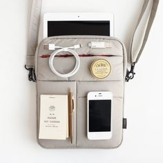 Moelleux iPad Pouch from mochithings.com  how handy is this?  I will buy one when I get my iPad.