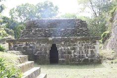 Nakum, Petén, Guatemala. Maya archaeology.