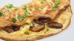 Classic Omelette-PROTEIN-egg whites-CARB-Vogel's toast-FAT-edam cheese-VEGE-mushrooms/peppers/spring onion