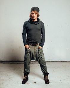 VALO LUONTO gehört zu unserer klassischen Modellen. Sie servieren Ihnen gut, ob Sie in einem Wald wandern oder Schaukeln diese bösen Jungs auf einer Party. Garantiert! Lässig und beeindruckende suchen Bequemlichkeit! Jede Menge Taschen zur Auswahl. Halten sie lange oder EM hochziehen, das Gummiband an den Beinen wird Ihnen gute Dienste leisten. Elastische, auch auf der Rückseite das Taillenband und am Bein. Diese bequeme und stylische Hose sind aus 100 % Baumwolle und kommen in zwei Farben…