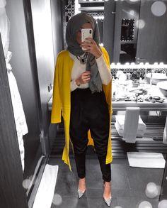 Stylish winter selfies hijab styles – Just Trendy Girls: Islamic Fashion, Muslim Fashion, Modest Fashion, Hijab Fashion, Fashion Outfits, Modest Wear, Modest Outfits, Hijab Outfit, Muslim Shop