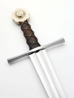File:Albion Chevalier Medieval Sword 2 (6093093540).jpg