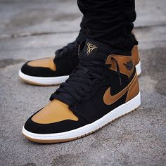 Air Jordan 1 Retro High Melo PE