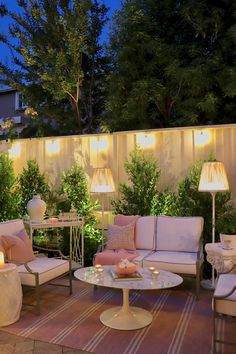 Extraordinary backyard patio decor Find inspirations to plan and beautify your backyard design. These backyard patio ideas will help you to make your backyard pretty and comfort. Patio Decor, Backyard Design, Outdoor Decor, Patio Design, Large Backyard, Restoration Hardware Outdoor Furniture, Backyard Lighting, Dream Backyard, Restoration Hardware Outdoor