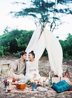 Boho inspiration: http://www.stylemepretty.com/destination-weddings/2015/04/03/bohemian-wedding-inspiration-in-hawaii/ | Photography: Matthew Ree - http://www.matthewree.com/