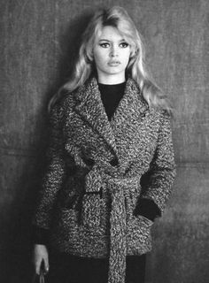 Brigitte Bardot Photos - Brigitte Bardot Picture Gallery - FamousFix - Page 30 Brigitte Bardot, Bridget Bardot, Isabelle Adjani, Hollywood Glamour, Old Hollywood, Hollywood Fashion, Hollywood Actresses, Classic Actresses, 1960s Fashion