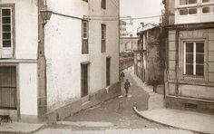 """Es """"Memorias de Compostela"""" un proyecto en virtud del cual se pretende establecer un nexo entre el pasado, el presente y el futuro de una ciudad única. Imágenes, recuerdos, curiosidades, personajes... El Santiago de hoy, de ayer y de siempre."""