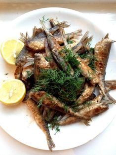 Muikku (coregonus albula), served in the Finnish way; pan fried, but it seems like they forgot the rye flour. Finnish Cuisine, Finland Food, Finnish Recipes, Scandinavian Food, Pureed Food Recipes, Home Food, Helsinki, Street Food, Summer Recipes