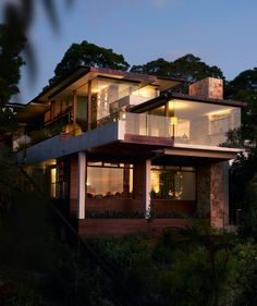Jorge Hrdina #Architects designed the Delany House in Sydney, Australia.