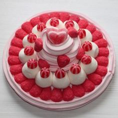 Tarte aux fraises en bonbon Oreo Cake Recipes, Chocolate Oreo Cake, Bar A Bonbon, Sweet Bar, Candy Cakes, Sugar Cake, Best Candy, Candy Bouquet, Cake Decorating Techniques