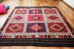 Hey, I found this really awesome Etsy listing at https://www.etsy.com/pt/listing/183903877/free-shipping-turkish-kilim-anatolian