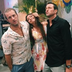 BTS. Scott Caan, Teilor Grubbs & Alex O'Loughlin