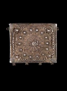 Turkey - Kutahya   Amulet case; silver with stone inlay.  // ©Quai Branly Museum. 71.1973.77.581