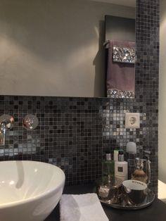 Badkamer mozaik inloopdouche walkin shower rituals spa grijs ...