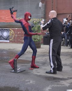 amazing spiderman 2 movie on set photos | New set photos and video of 'The Amazing Spider-Man 2′ showcasing ...