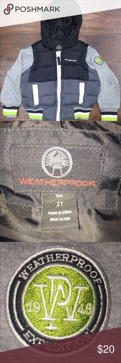 Toddler boys Weatherproof coat Like new, perfect condition.  No rips or stains.  Pet and smoke free home. Weatherproof Jackets & Coats Puffers